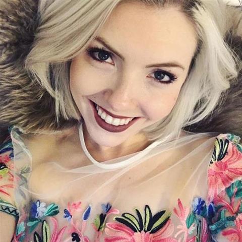 Je eerste keer sex met 36-jarig jongedametje uit Zeeland